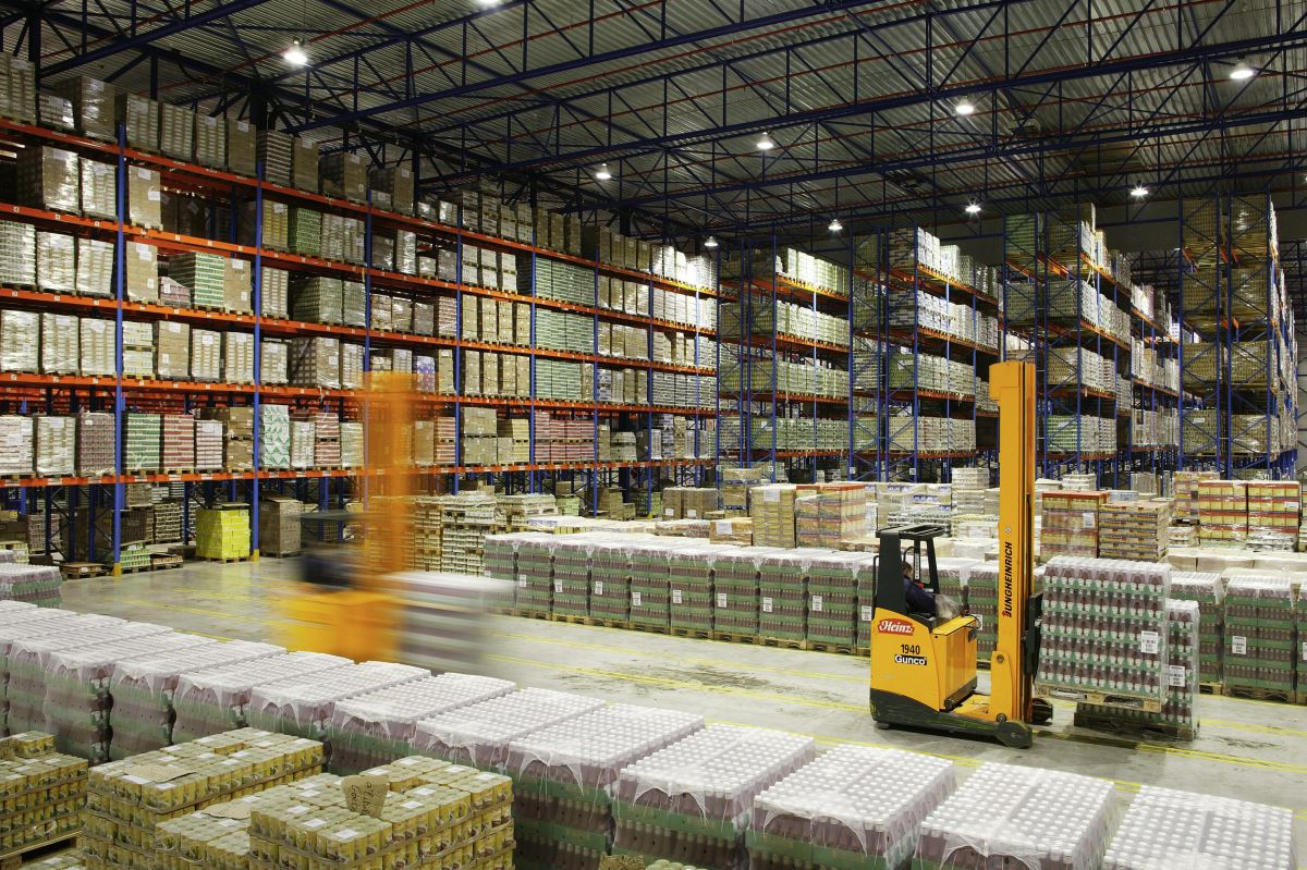 With storage facilities located near main airports and seaports, BAMBOOVIET is capable to meet the customers' demand in warehousing & distributing services. Our warehouses are guarded 24/7. And we assure that your cargo will be safe and secured with our warehousing system.